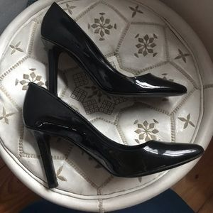 BLACK PUMPS Patent Leather Tamara Mellon